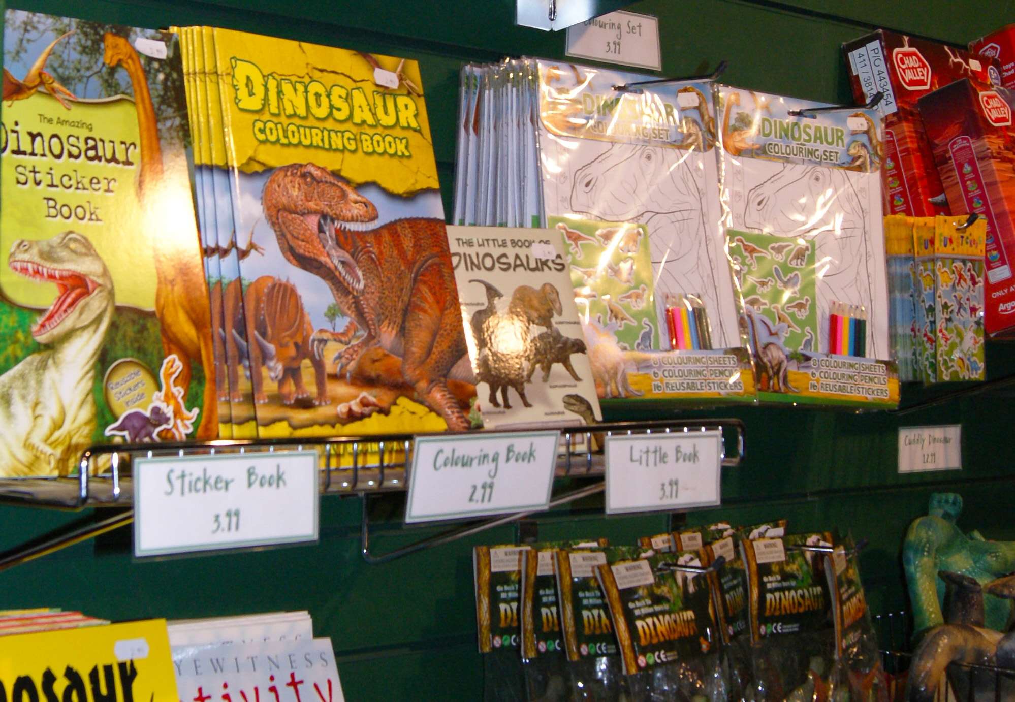 Pick up a souvenir dinosaur book!