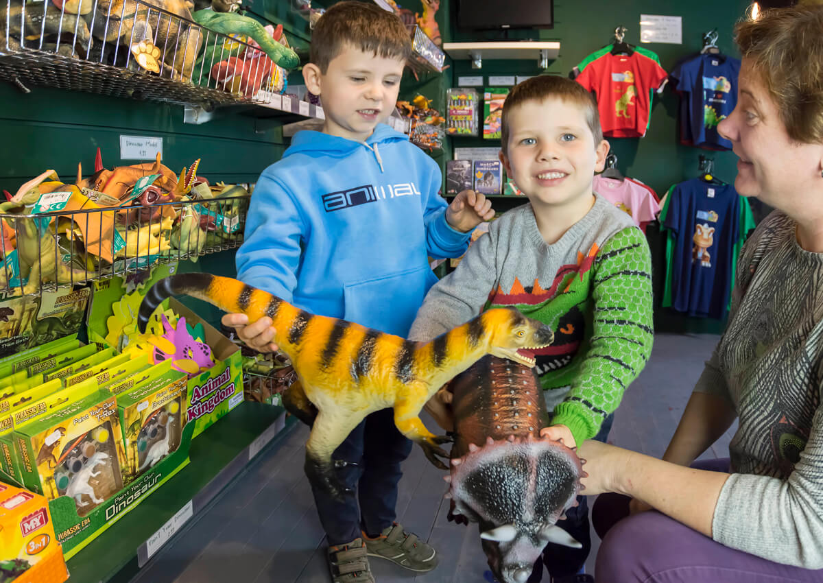 Pick up a souvenir dinosaur model!